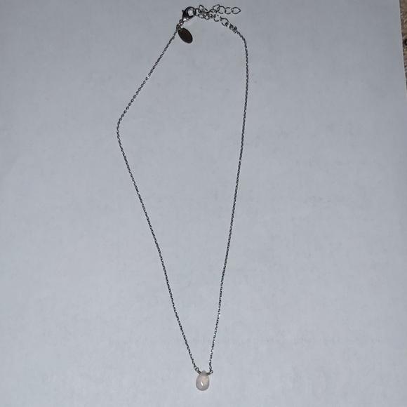 Rose quartz tear drop silver pendant necklace